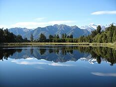 mirror_lake_new_zealand